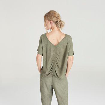 blusa-manga-curta-chumbo-franzido-costas