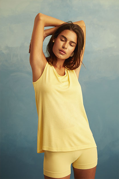 verao-22-short-amarelo-seamless