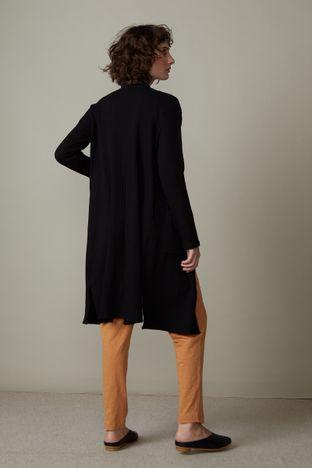 casaco-preto-canelado